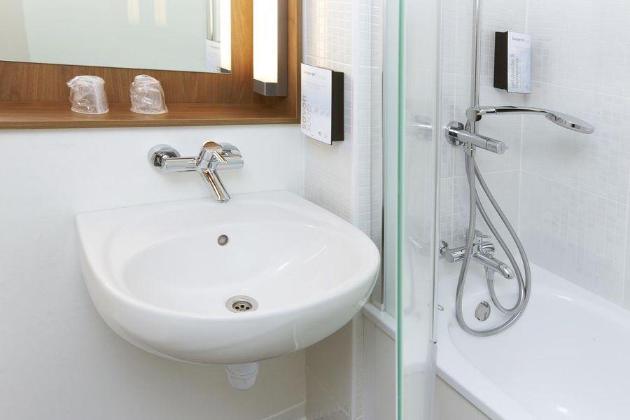 Campanile Paris Ouest - Pont de Suresnes *** Salle de bain