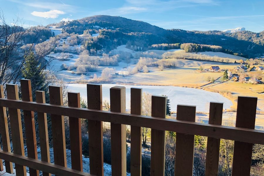 Là-Haut, cabanes perchées vue en hiver