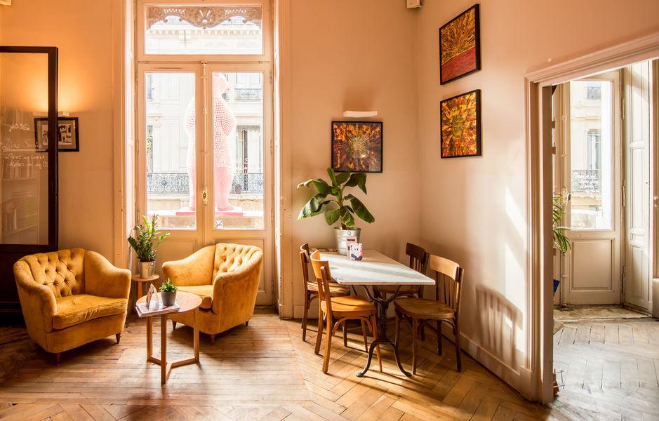 ho36 Avignon Provence Salon