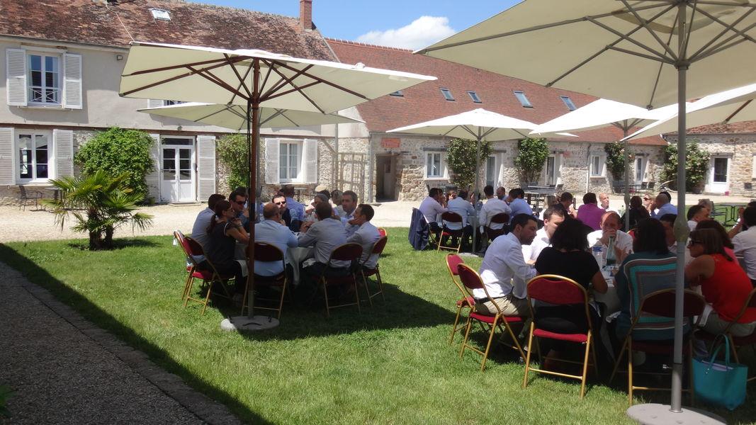 Nomade Lodge Déjeuner cour intérieure à l'ombre