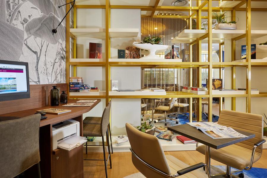 Crowne Plaza Paris - Charles de Gaulle **** Club Lounge