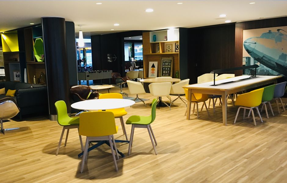 Holiday Inn Toulouse Airport Notre Open Lobby