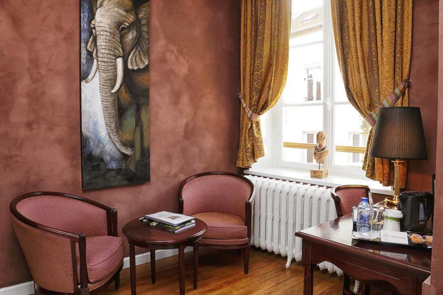 Hôtel d'Haussonville **** 3