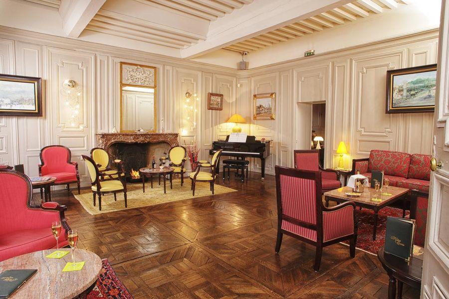 Hôtel d'Haussonville **** 9