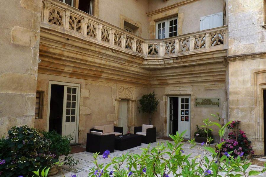 Hôtel d'Haussonville **** 4