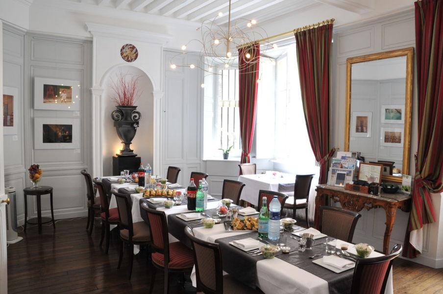 Hôtel d'Haussonville **** 16