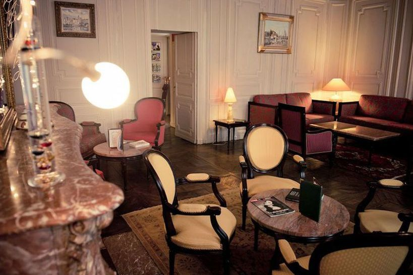 Hôtel d'Haussonville **** 10