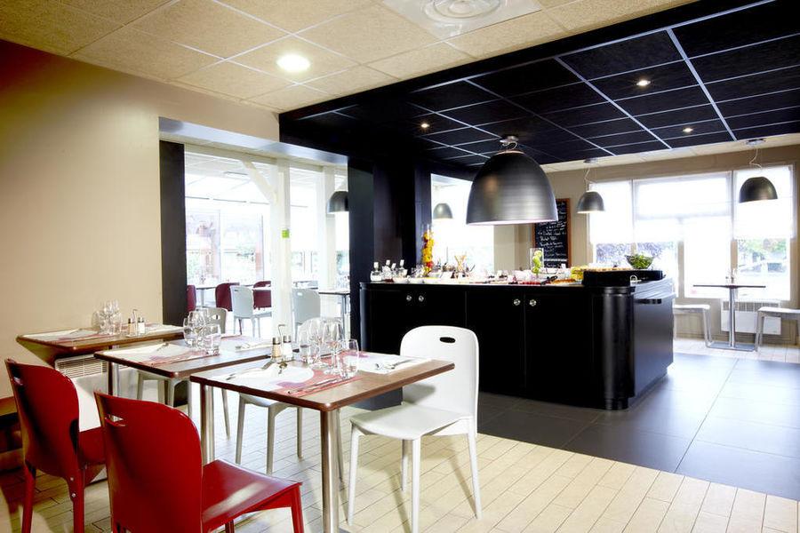Campanile Bordeaux Nord - Le Lac *** Restaurant