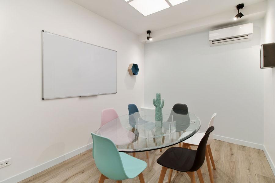 Le 67 Meeting Place LE 67 MEETING PLACE - MEETING ROOM