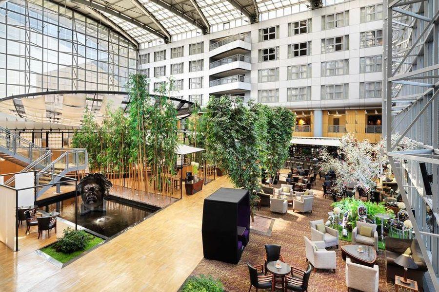 Hyatt Regency Paris Charles de Gaulle **** Lobby