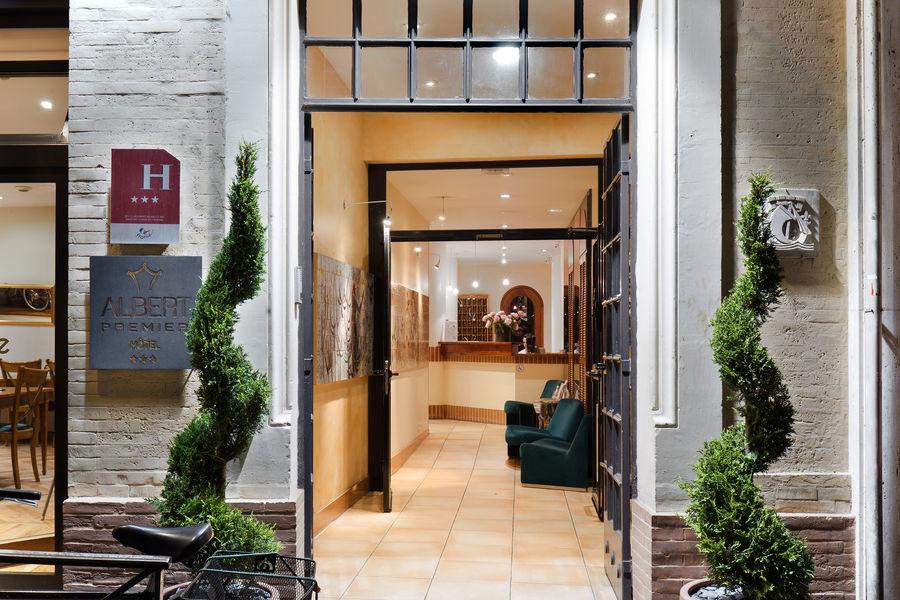 Albert Premier Hôtel *** Entrée de L'Hôtel,