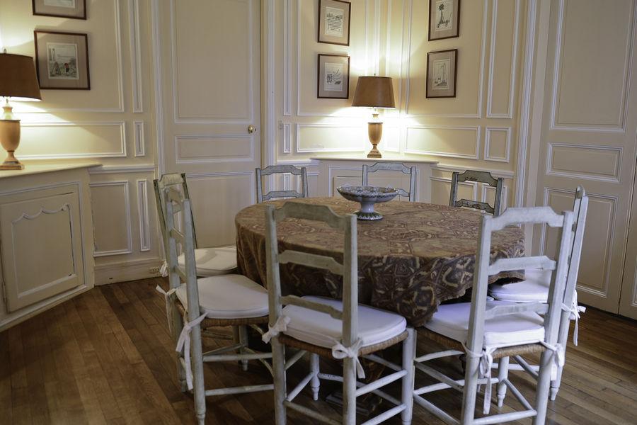 La Maison du Miroir Petite Salle de réunion - Salle à manger