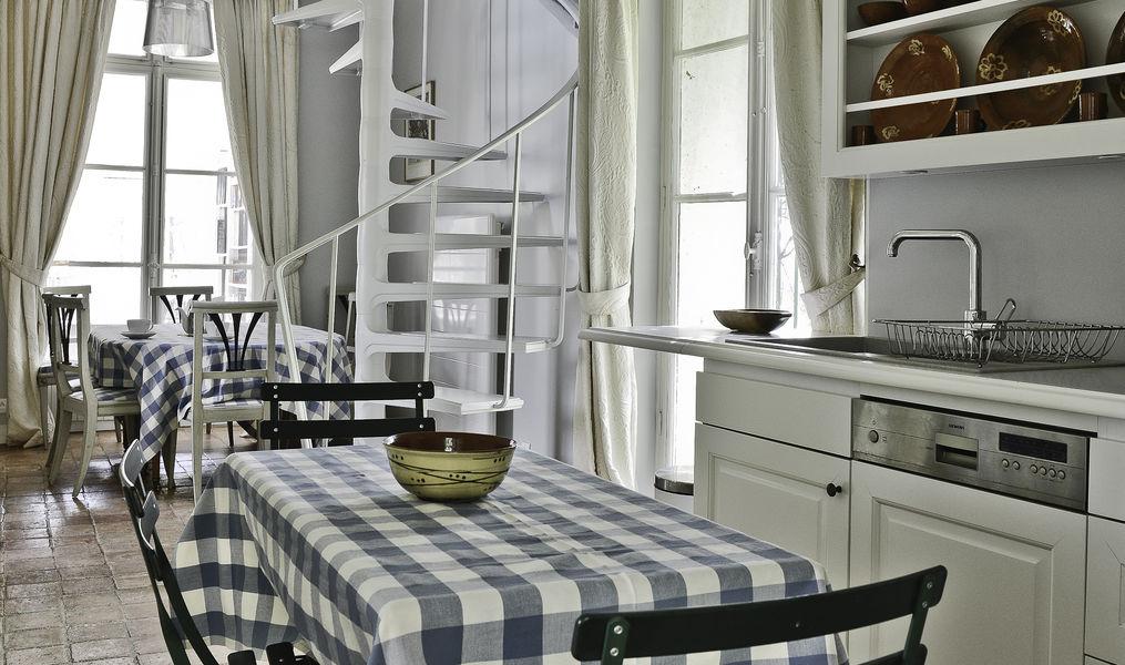 La Maison du Miroir Le Fruitier -Cuisine - Salle-à-manger - Salon - Véranda