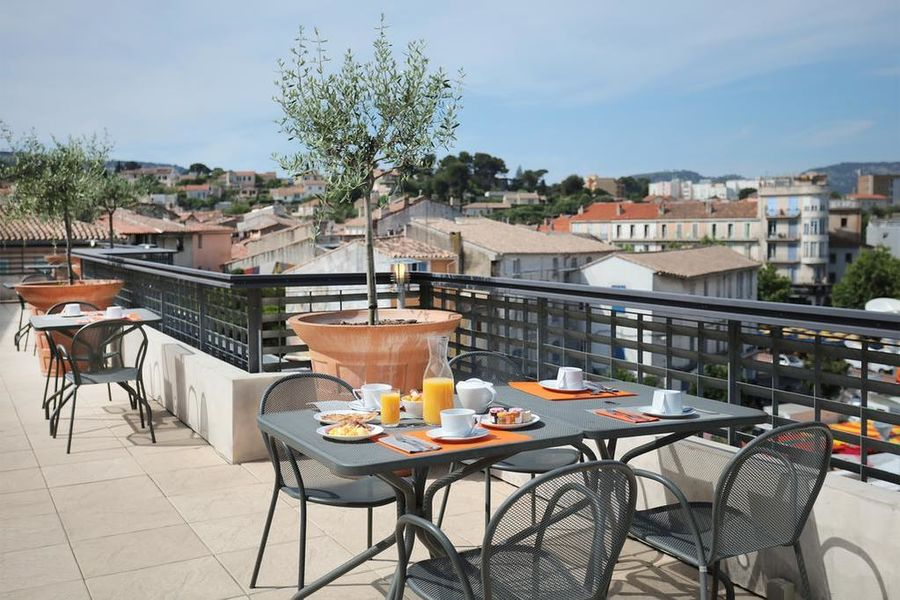 Hotel The Originals Aubagne Linko Terrasse