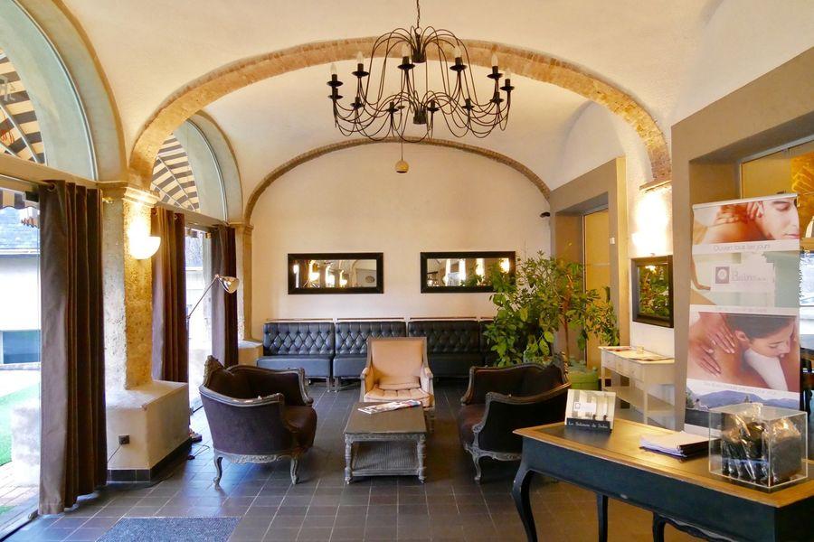 Hôtel***Restaurant Spa La Robéyère Coin Lounge
