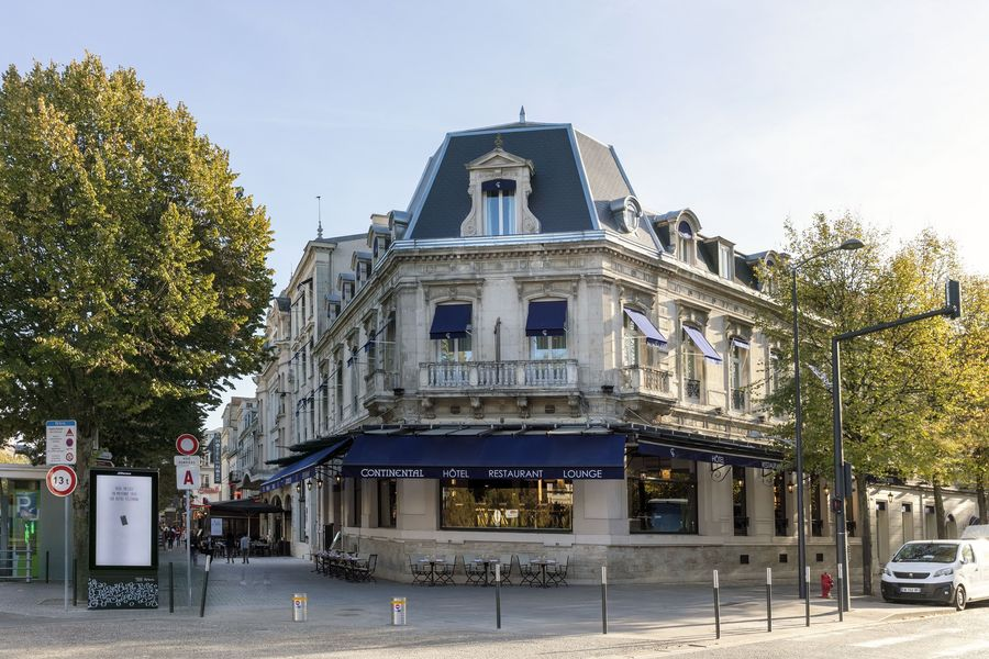 Hôtel Continental ***  Façade