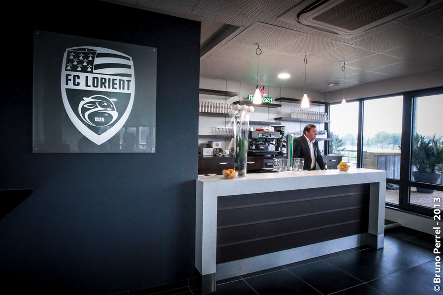 Centre d'entrainement du FC Lorient  Un club house cosy pour vos coktails...