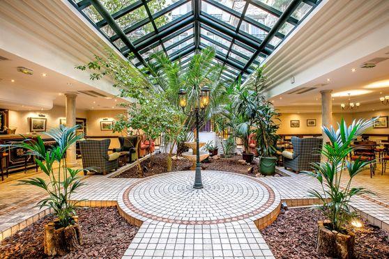 Patio-Jardin d'Hiver / 200m² : Espaces cocktail, soirées bar, restaurant