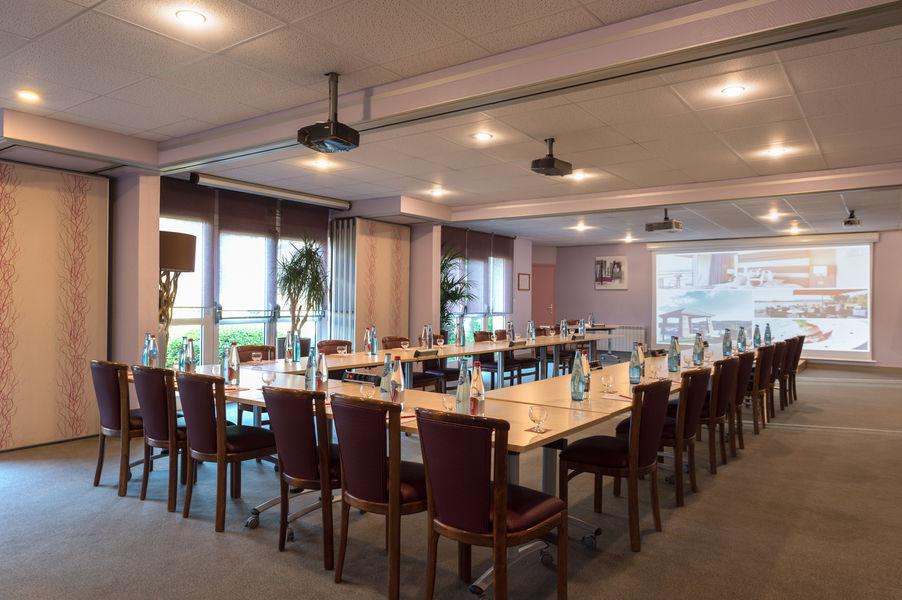 Hotel The Originalsdu Golf de l'Ailette Laon Sud 6