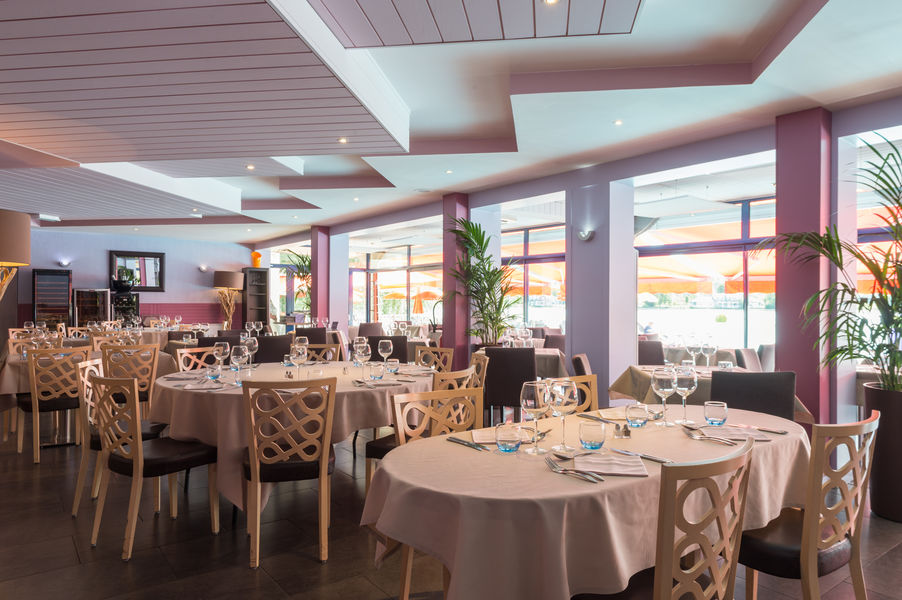 Hotel The Originalsdu Golf de l'Ailette Laon Sud 9