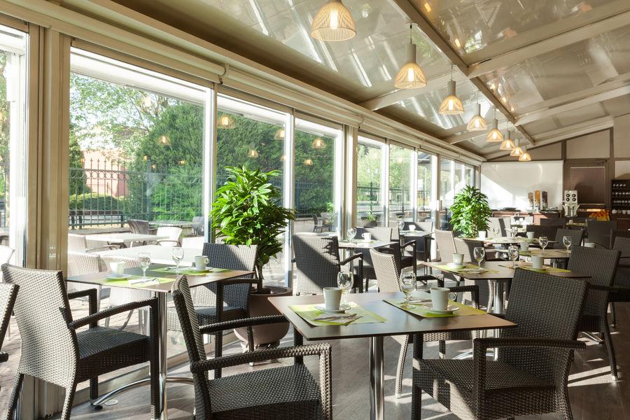 Hotel The OriginalsMontbéliard Est Arianis Sochaux 3