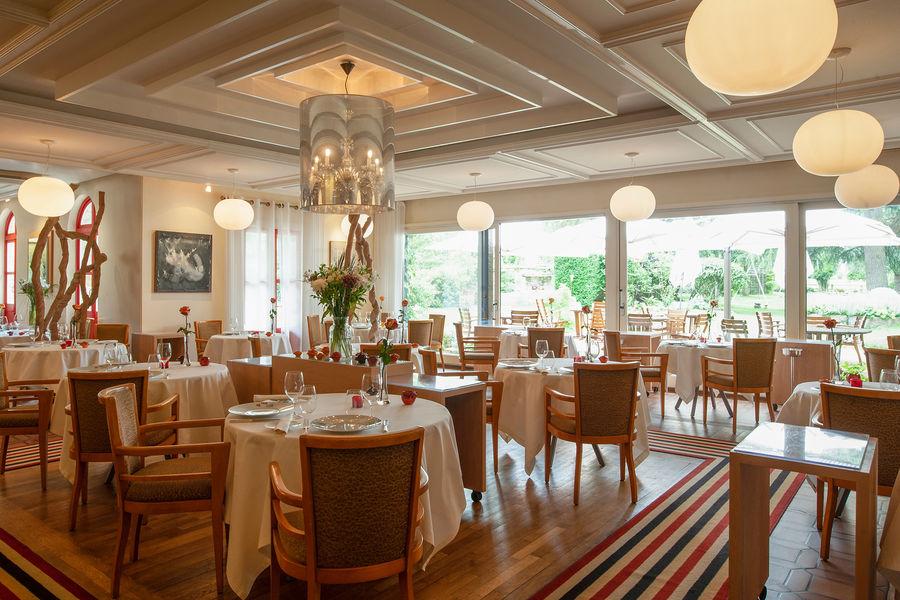 Hotel The Originals Le Manoir du Lys 26