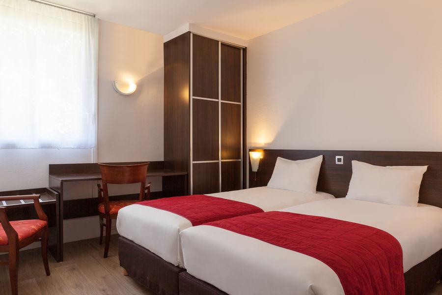 Hotel The Originals du Phare Bordeaux Mérignac 1