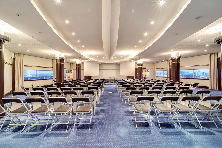 MERCURE Paris CDG Airport & Convention  11