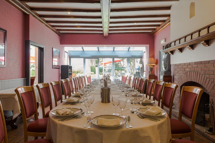 Hotel The OriginalsGrand Hôtel de Courtoisville 26