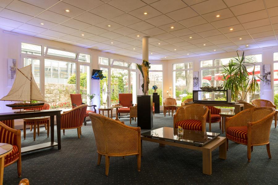 Hotel The OriginalsGrand Hôtel de Courtoisville 29