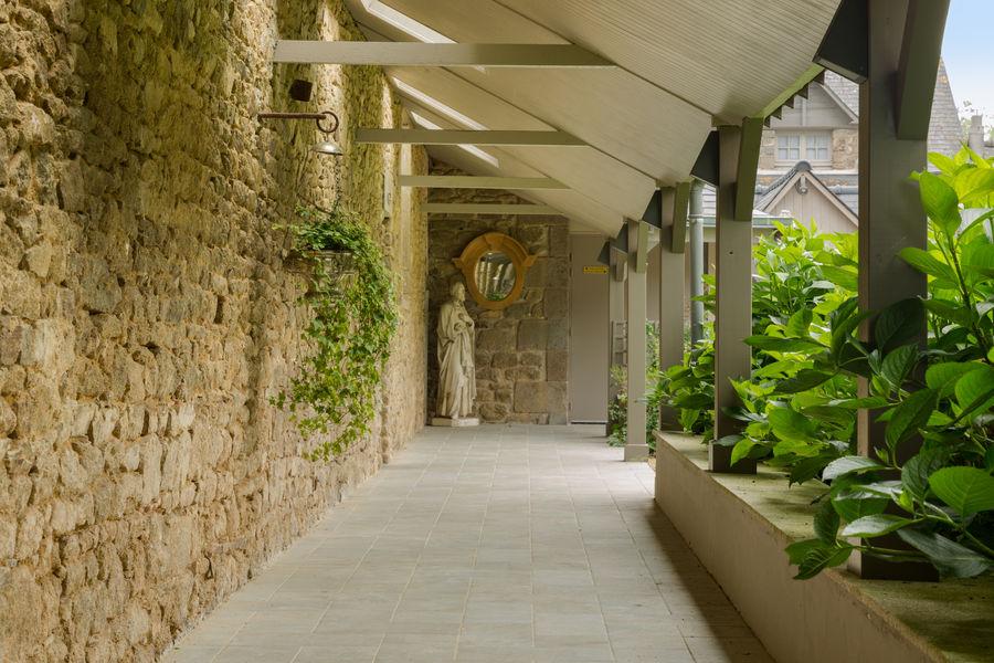 Hotel The Originals de l'Abbaye 8