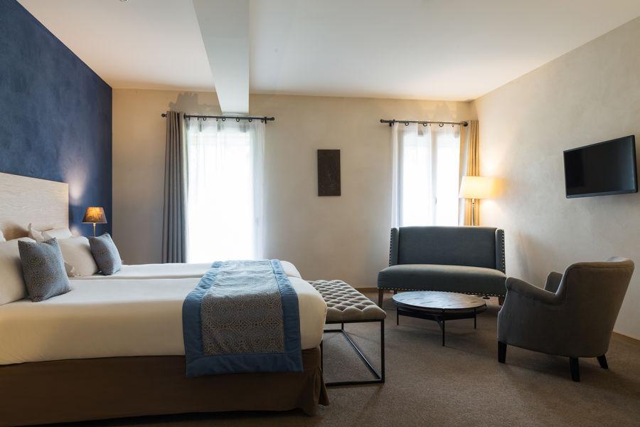 Hotel The Originals de l'Abbaye 12