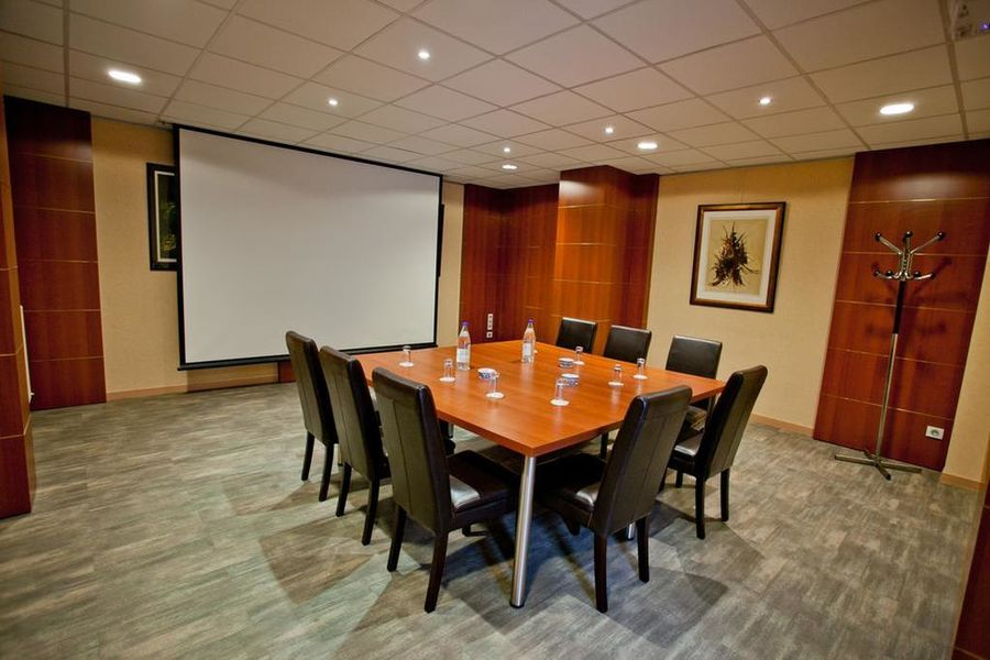 Hotel The Originals Lille Est Grand Stade Ascotel Salle de séminaire