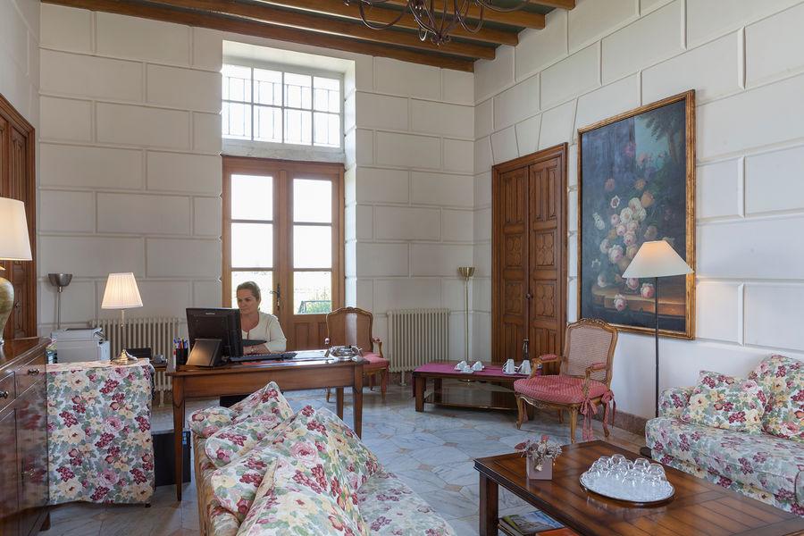 Hotel The Originals Relais du Château d'Arche **** 4