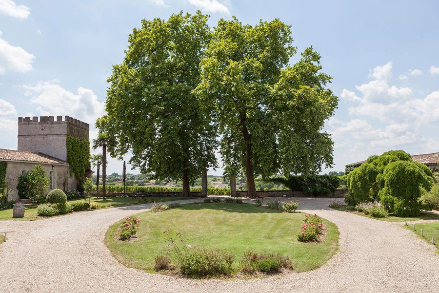 Hotel The Originals Relais du Château d'Arche **** 6