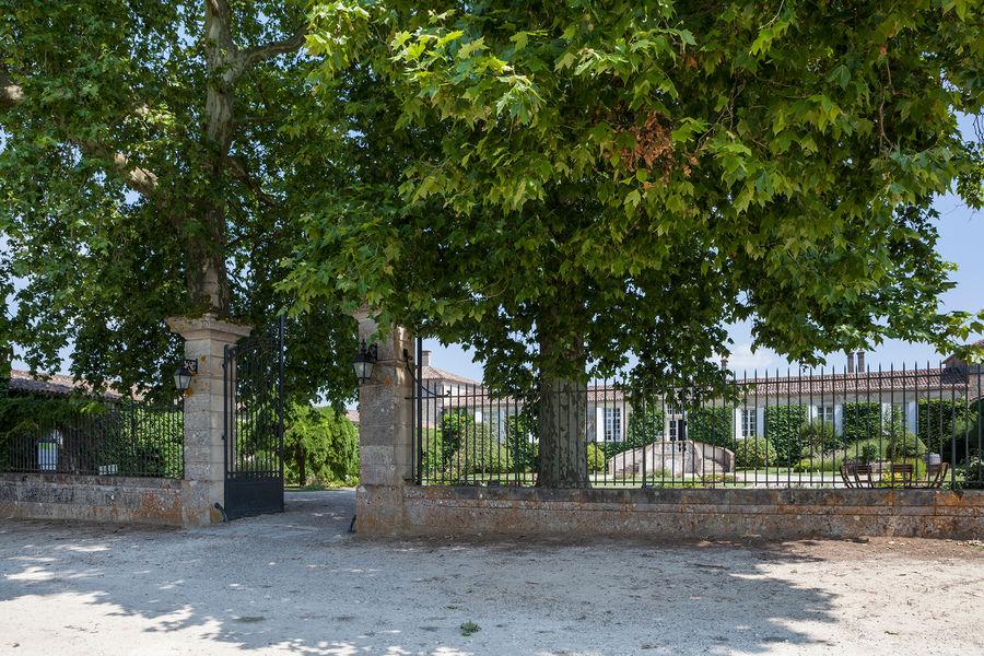 Hotel The Originals Relais du Château d'Arche **** 10