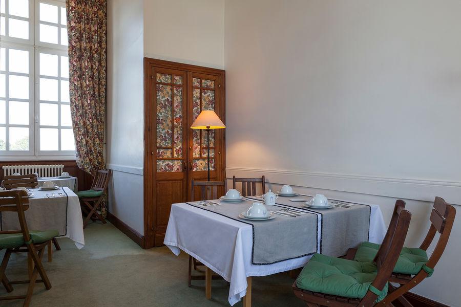 Hotel The Originals Relais du Château d'Arche **** 3