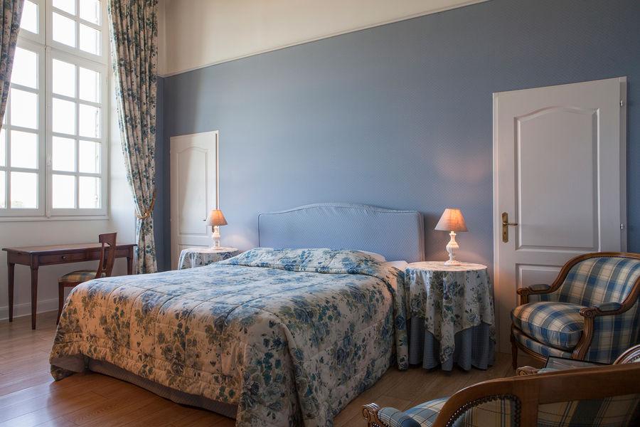 Hotel The Originals Relais du Château d'Arche **** 17