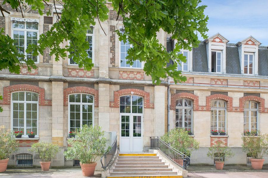 Hotel The Originals Maison de l'Abbaye 2