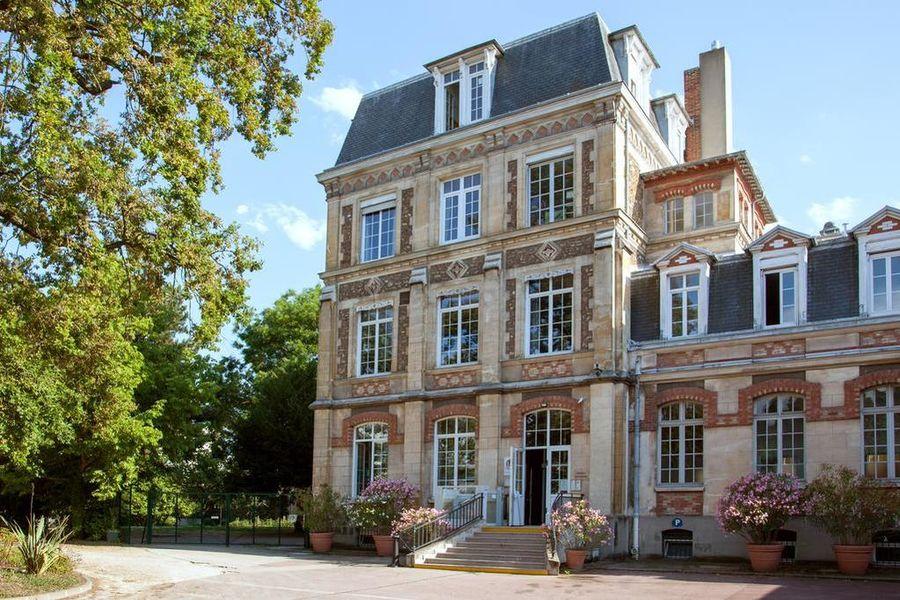 Hotel The Originals Maison de l'Abbaye Extérieur