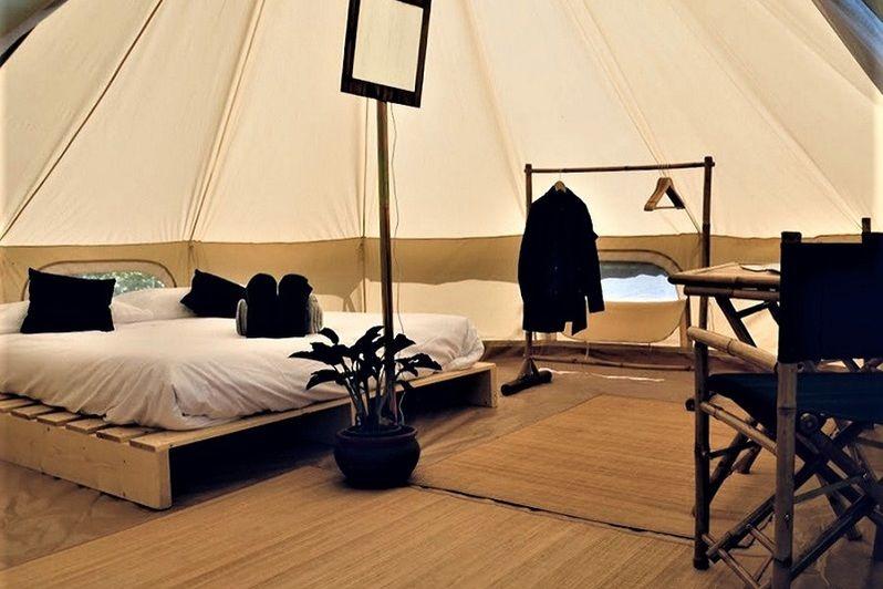 La Grange de Bresteau tente Inuit