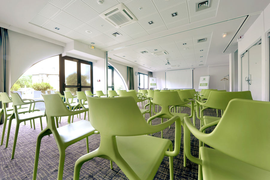 Holiday Inn Lyon - Vaise **** Salle de séminaire Saturne + Venus