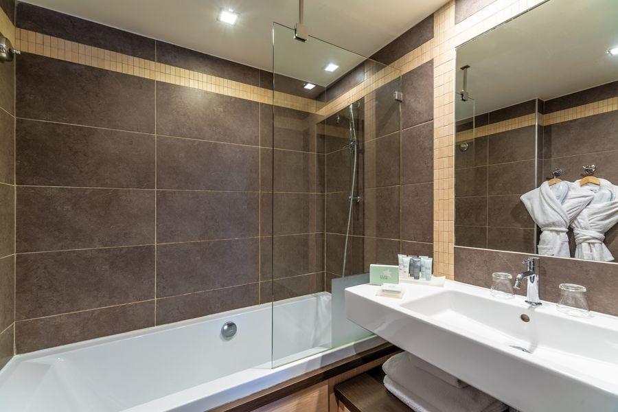 Les Loges Blanches **** Salle de bain