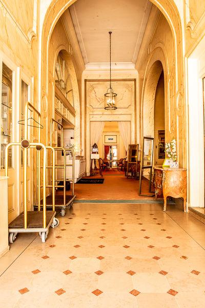 Grand Hôtel de la Reine 13