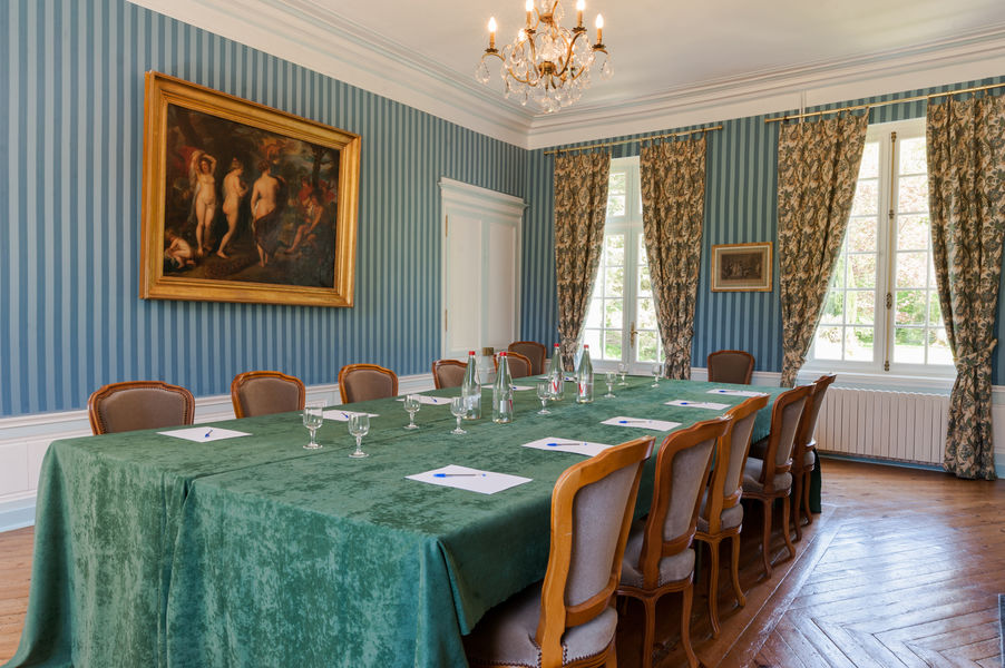 Hotel The Originals Château du Landel  17