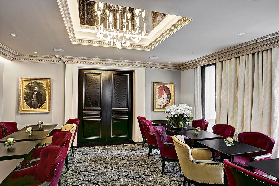 La Villa Haussmann, Paris Le Salon des Portraits