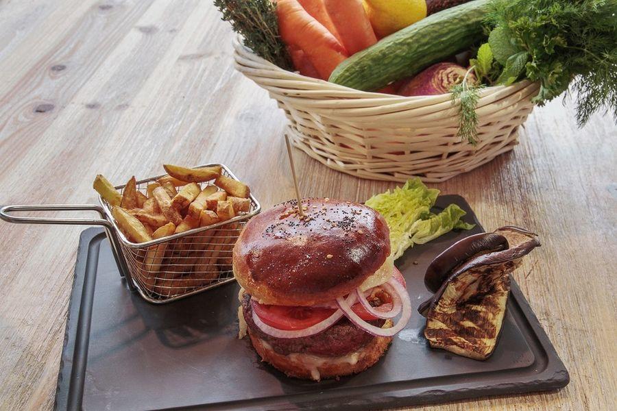 """Mercure Paris Val-de-Fontenay **** Burger du Chef """"fait maison"""""""