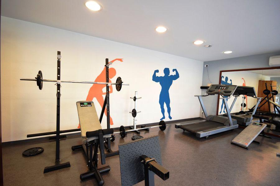 Kyriad Prestige Bordeaux Ouest Mérignac **** Salle de fitness