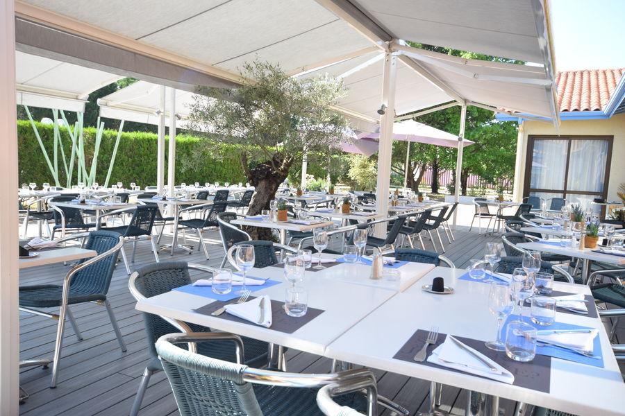 Kyriad Prestige Bordeaux Ouest Mérignac **** TERRASSE RESTAURANT