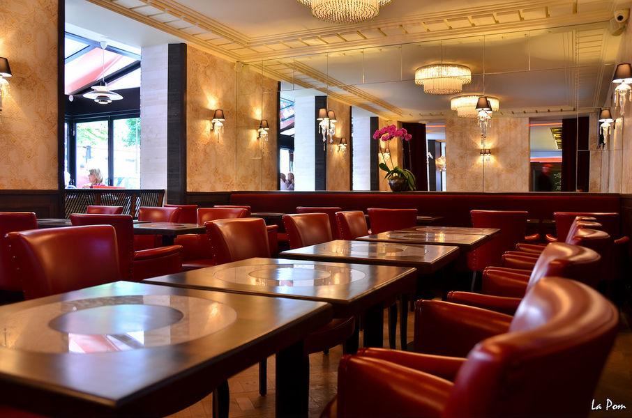 Café La Belle Poule Salle Restaurant